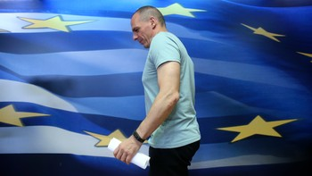 EUROZONE-GREECE/ Greek Finance Minister Varoufakis arrives to make a statement in Athens