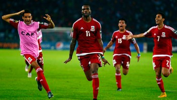 SOCCER-NATIONS/ Javier Balboa of Equatorial Guinea celebrates after scoring the second goal against Tunisia during their quarter-final soccer match of the 2015 African Cup of Nations in Bata - Foto: AMR ABDALLAH DALSH / Reuters