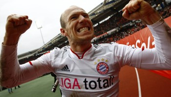 SOCCER-GERMANY/ Robben of Bayern Munich celebrates his winning goal after German first division Bundesliga soccer match against FC Nuremberg in Nuremberg