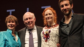 Celia Imrie, Julian Fellowes, Geraldine Somerville og Glen Blackhall