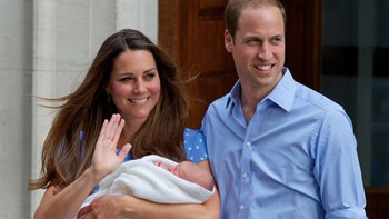 Prins William og hertuginne Kate med nyfødt baby