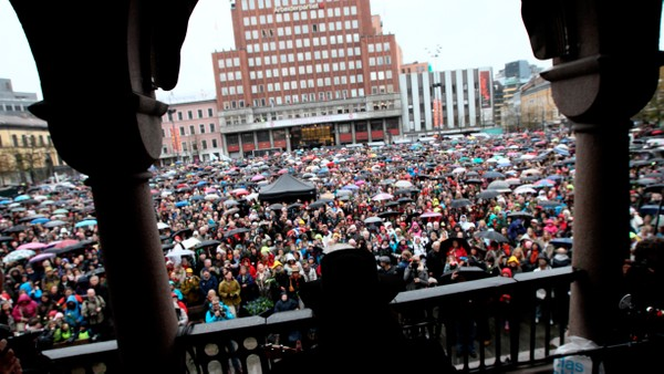 Video Direkte fra Youngstorget - Foto: Nyhetsspiller /