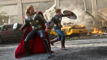 Video Filmanmeldelse: The Avengers - Superheltene i The Avengers knuser alle tidligere rekorder. - Foto: Nyhetsspiller /