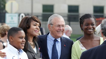Donald Rumsfeld avbildet under en minneseremoni i Pentagon 11. september 2011.