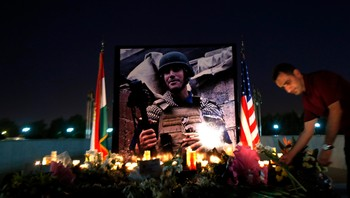 Minnestund i Irbil for James Foley, august 2014 - Foto: Marko Drobnjakovic / Ap