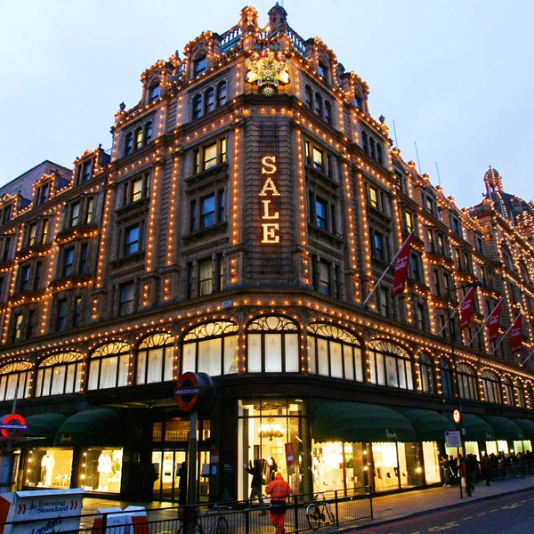 Stormagasinet Harrods i London - Stormagasinet Harrods i London. - Foto: CARL DE SOUZA / AFP