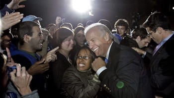 Joe Biden i Raleigh, NOrth Carlina - Joe Biden hilser på velgerne i Raleigh, North Carolina.Scanpix/AP