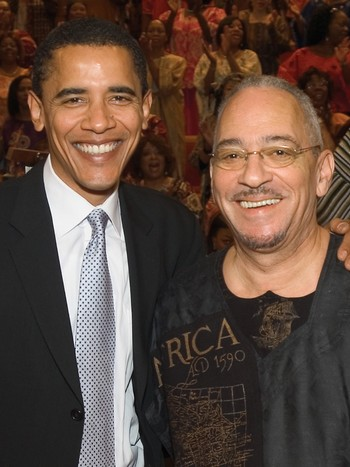 Barack Obama sammen med pastor Jeremiah Wright i 2005. - Barack Obama og pastor Jeremiah Wright i 2005. - Foto: Trinity United Church of Christ / AP