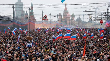 Minnemarsj for Nemtsov i Moskva.