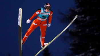 SKIING/ Bardal of Norway soars through the air during the World Cup Ski Jumping men's HS 134 event in Predazzo - I SVEVET: Anders Bardal hopper i Predazzo under et verdenscuprenn. - Foto: GIAMPIERO SPOSITO / Reuters
