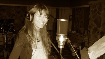 Claudia Scott i studio