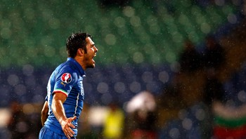 SOCCER-EURO/ Eder of Italy celebrates his goal against Bulgaria during their Euro 2016 qualifying soccer match in Sofia