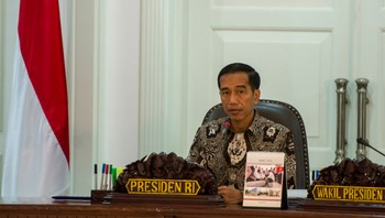 INDONESIA-POLITICS/ Indonesia's President Joko Widodo leads a cabinet meeting at the Presidential Palace in Jakarta