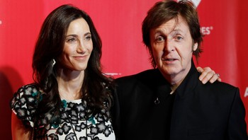 Paul McCartney og Nancy Shevell - Paul McCartney og kona Nancy Shevell troner høyt på rikingtoppen i Storbritannia. - Foto: Daniel Moloshok / Reuters