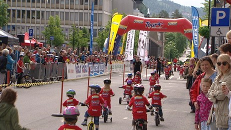 Tour of Norway for kids, Lillehammer (Foto: Arvid Torsgard/NRK)
