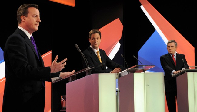 David Cameron, Nick Clegg og Gordon Brown (Foto: POOL/REUTERS)