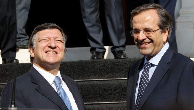 GREECE-LEADERS/ Greek Prime Minister Samaras greets EU Commission President Barroso in Athens (Foto: JOHN KOLESIDIS/Reuters)
