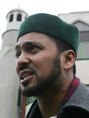 Ajmal Masroor i London (Foto: SANG TAN/AP)