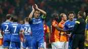 SOCCER-CHAMPIONS/ Chelsea's Terry applauds after their Champions League soccer match against Galatasaray at Turk Telekom Arena in Istanbul