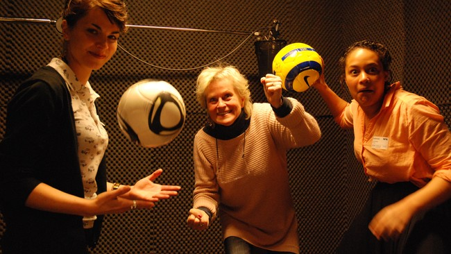 Mye moro i studio (Foto: Hege Stabell/NRK)
