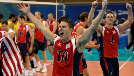 Riley Salmon og David Lee på USAs volleyballag (Foto: ALEXANDER DEMIANCHUK/REUTERS)