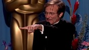 Robin Williams holder takketale - Robin Williams holder takketale etter prisutdeling