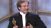 Robin Williams får Oscar - Robin Williams får Oscar for beste mannlige birolle i Good Will Hunting