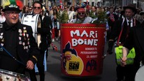 Mari Boine-stunt i 17. mai-tog  (Foto: Privat)