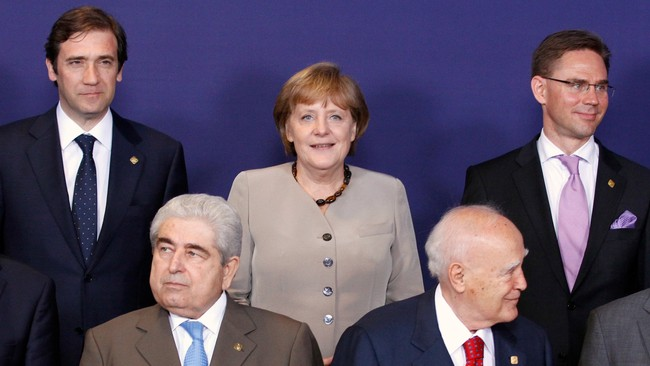 EU-SUMMIT/ EU leaders pose during a family picture session in Brussels (Foto: SEBASTIEN PIRLET/Reuters)