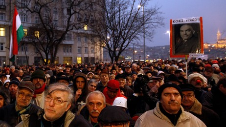 HUNGARY/ Thousands of protestors demonstrate  (Foto: Laszlo Balogh/Reuters)