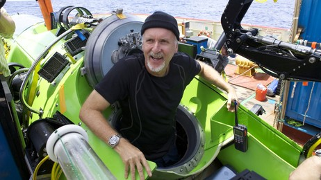 James Cameron tilbake fra Marianergropa (Foto: MARK THIESSEN/AFP)