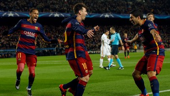SOCCER-CHAMPIONS-BAR-ROM/ Barcelona v AS Roma - UEFA Champions League Group Stage