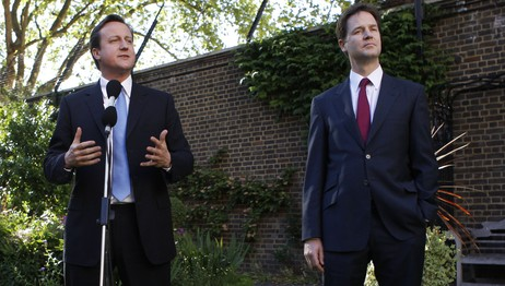 David Cameron og Nick Clegg (Foto: ANDREW WINNING/Afp)