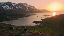 Solnedgang over Stjernya (Foto: Dag Ivar Indreb/NRK)