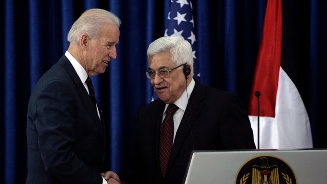 Joe Biden og Mahmoud Abbas (Foto: Anmar Awad/Scanpix/Reuters)