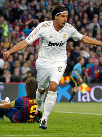 SOCCER-CLASICO/ Real Madrid's Khedira celebrates after scoring against Barcelona during their Spanish first division soccer match in Barcelona