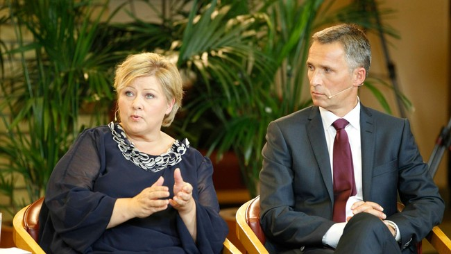Erna Solberg og Jens Stoltenberg (Foto: Kallestad, Gorm/Scanpix)