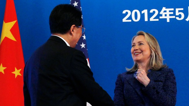 Hillary Clinton og Hu Jintao  (Foto: SHANNON STAPLETON/Reuters)
