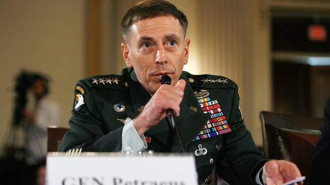 USAs General David Petraeus  (Foto: CHIP SOMODEVILLA/AFP)