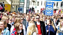 17. mai i lesund (Foto: Ivar Lid Riise/NRK)