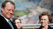 Willy Brandt mottar Nobels fredspris