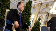 SWEDEN-NOBEL/CHINA Mo Yan, the Chinese winner of the 2012 Nobel Prize in Literature, speaks during a news conference at the Royal Swedish Academy in Stockholm (Foto: SCANPIX SWEDEN/Reuters)
