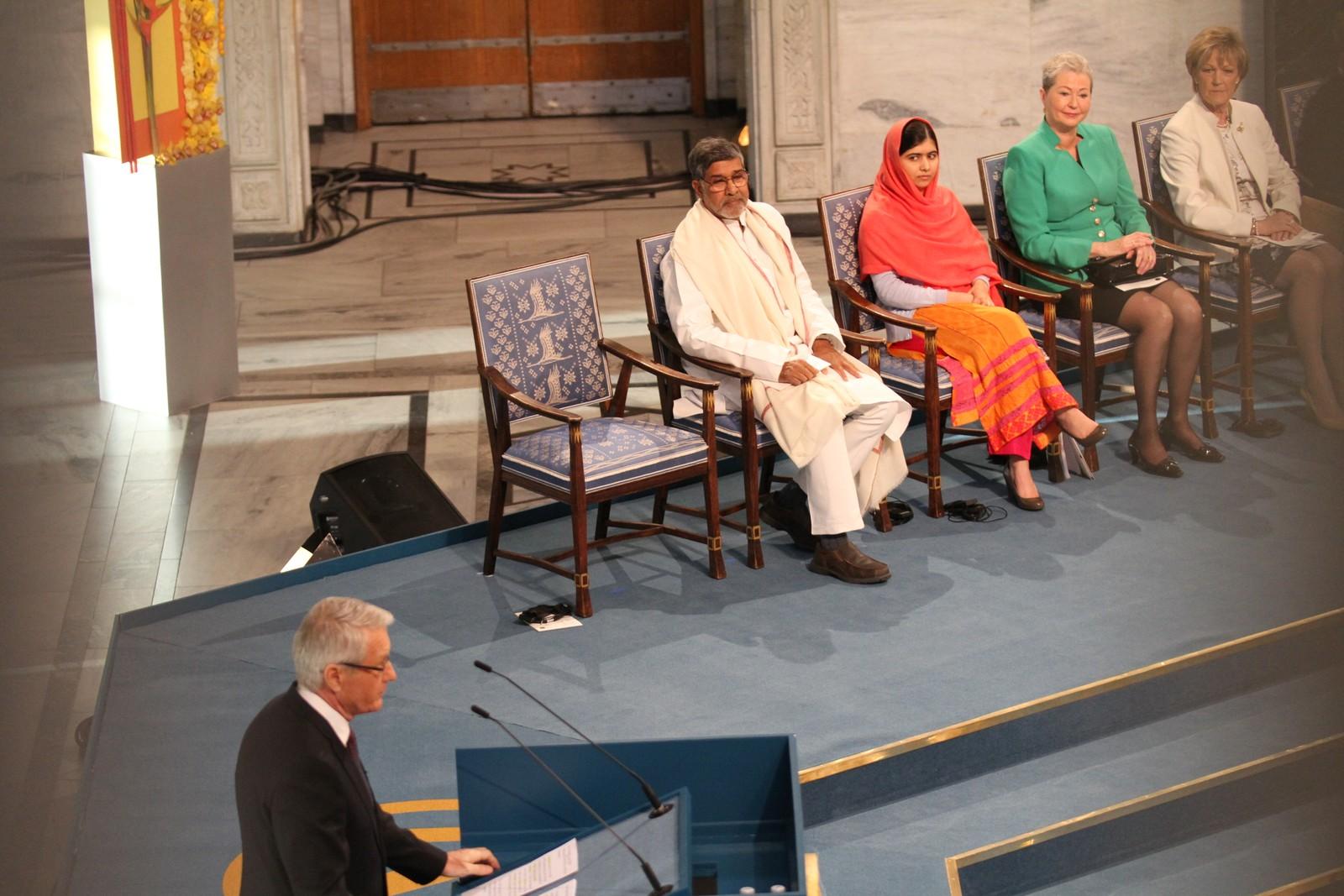 JAGLAND: Nobelkomiteens leder Thorbjørn Jagland taler til årets fredsprisvinnere.