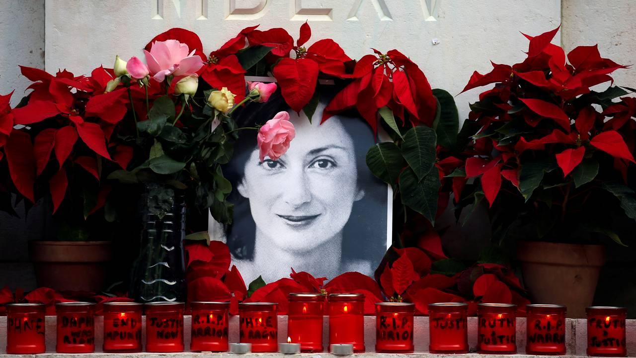 Journalist Daphne Caruana Galizia på Malta ble drept av en bilbombe. Hun hadde skrevet mye om korrupsjonen i landet.