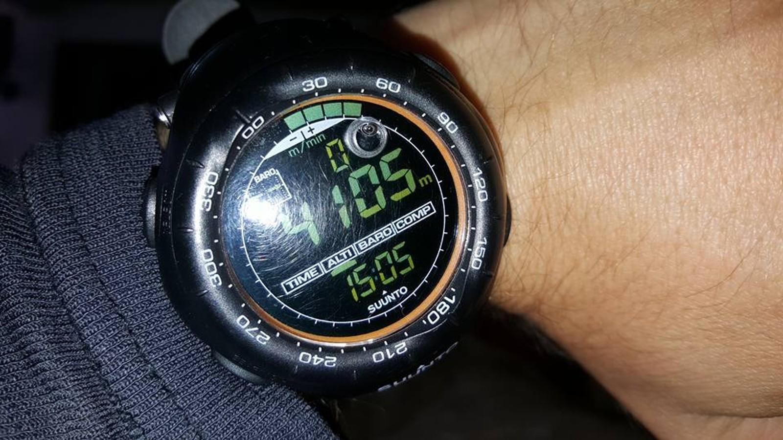 Høydemåleren viser at Mats har passert 4100-metersgrensen.