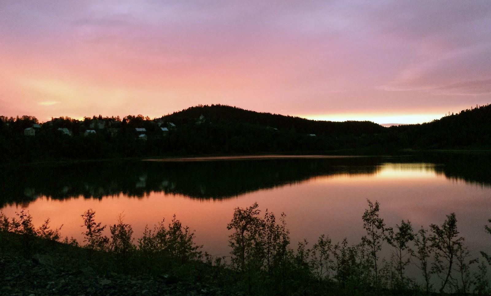 Solnedgang ved Bjørnlivatnet, Løkken Verk