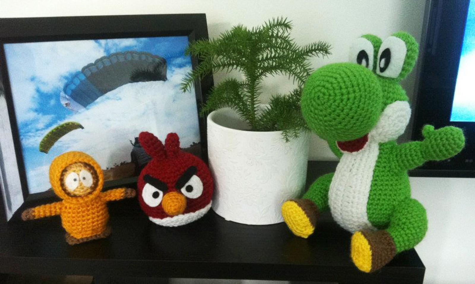 «Kenny, Red Bird and Yoshi»