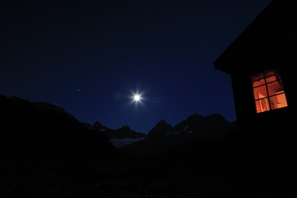 Månelyst ved Trollfjordhytta  - Foto: Hannu Kuiri