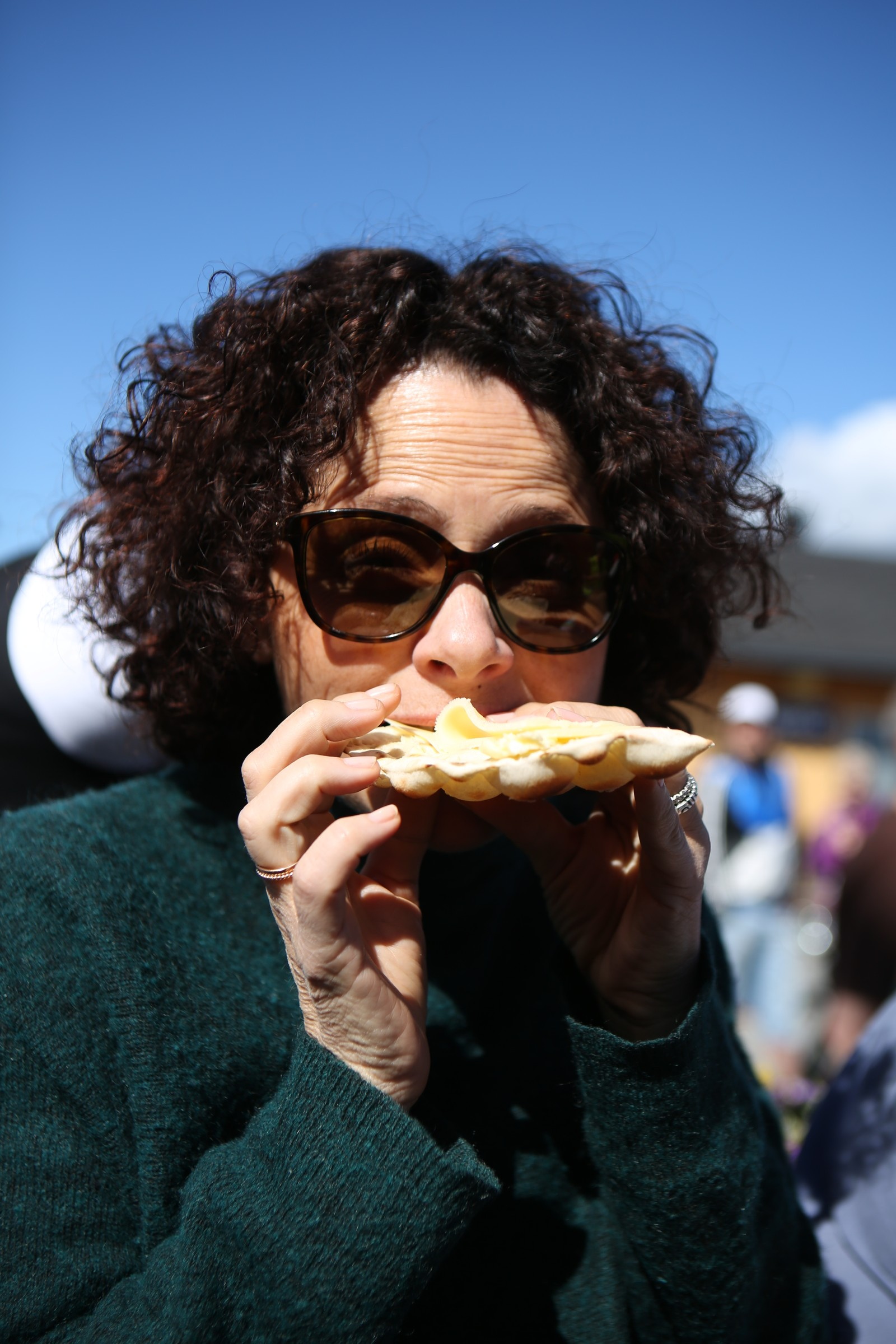 Nadia Hasnaoui fikk også smake: «Kjempegodt!».