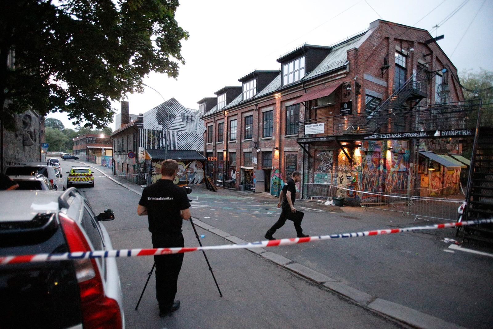 Politiet etterforsker åstedet ved Blå.